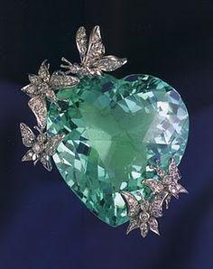 Green Diamond Heart Brooch With White Diamond Butterflies