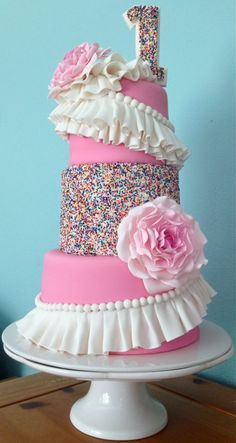 Icing Smiles cake by Sugarlump Cakery