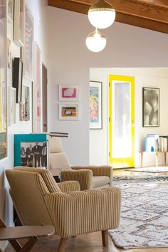 Don't be afraid of color in your home and make an statement painting your front doors! 3 Ways to do it | Apartment Therapy
