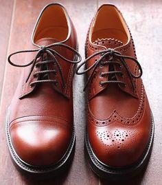COUNTRYMAN (カントリーマン) 『Merseyside derby』  これで正しいらしい。左右非対称の革靴。かっこいい!履いてみたい!