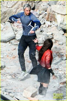 Filming Avengers Age of Ultron - Quicksilver (Aaron Taylor-Johnson) & Scalet Witch (Elizabeth Olsen)
