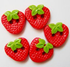Button Simple Strwaberries handmade polymer clay by digitsdesigns / Polimer Kil Çilek Düğmeler