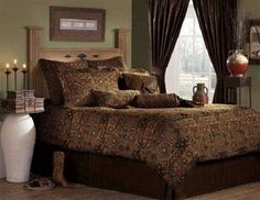 This bedding ensemble is constructed of a classic yet sophisticated design. Kick your boots off! 9 piece bed in a bag is also available in this collection. Western Comforter Sets, Queen Size Comforter Sets, King Size Comforters, Southwestern Bedding, Southwestern Style, Rustic Western Decor, Lodge Decor, Bedding Collections, Cozy House