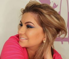 Make up pink and blue by Alice Salazar