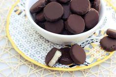 Bluth Bites - Frozen Chocolate Covered Bananas {Gluten-free + Vegan} - Tasty Yummies