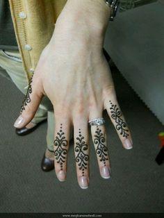 #mehndi ... #henna on fingers
