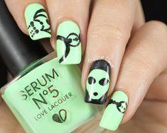 Alien Nail Art