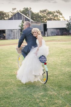 Photography: I Heart Weddings - iheartweddings.com.au  Read More: http://www.stylemepretty.com/australia-weddings/2014/08/07/beautiful-country-wedding/