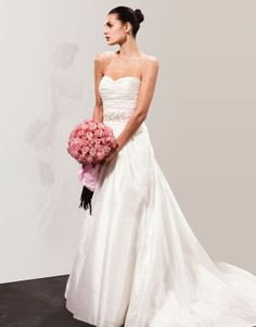 Organza Softly Curved Neckline Delicately Pleated Bodice A-line Wedding Dress