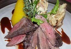 Kančí svíčková se šípkovou omáčkou Restaurant Guide, Top Recipes, Steak, Beef, Food, Meat, Best Recipes, Steaks, Hoods