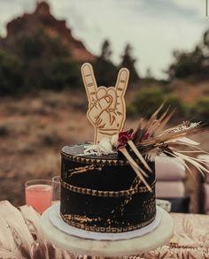 Unique Alternative Wedding Cake for a Rock On Wedding First Birthday Cakes, 50th Birthday Party, 1st Boy Birthday, Alternative Wedding Cakes, Wedding Cake Alternatives, Edgy Wedding, Eclectic Wedding, Wedding Ideas, Festa Rock Roll
