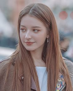 Share to everybody 2019 the most popular hair color, reduce age to show temperament, let your beauty explode whole summer! Cute Girl Face, Cute Girl Photo, Beautiful Celebrities, Beautiful Actresses, Angelina Danilova, Cute Young Girl, Russian Beauty, Stylish Girl Pic, Most Beautiful Indian Actress