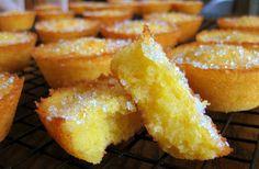 """Bolinhos de laranja- """"little orange cakes"""""""