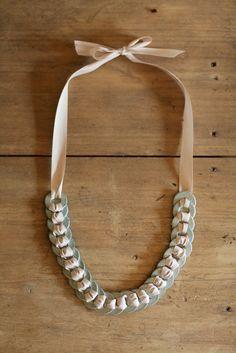 DIY: washer & ribbon necklace