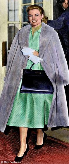 Grace Kelly.  Via @wiesje12. #GraceKelly #celebrities