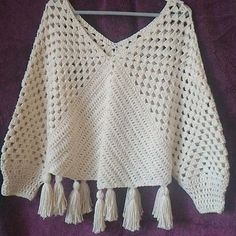 Inspiraes Croche Lucy Tops Com Any Deins - Diy Crafts - Marecipe Pull Crochet, Mode Crochet, Crochet Hooks, Knit Crochet, Crochet Poncho Patterns, Crochet Cardigan, Crochet Shawl, Knitting Patterns, Diy Crafts Crochet