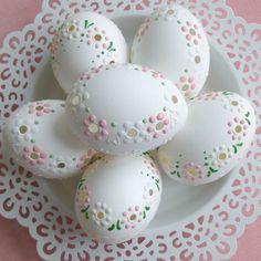 Wax Flowers, Burlap Flowers, Easter Egg Crafts, Easter Eggs, Haft Seen, Funny Eggs, Egg Shell Art, Egg Photo, Carved Eggs