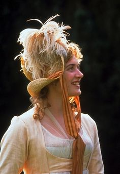Kate Winslet as Marianne Dashwood in Sense and Sensibility - Emma Thompson wrote the brilliant screenplay. This is imho the best film version of Austen's opus. Alan Rickman was a sensitive, stoic Colonel Brandon. Movie Costumes, Cool Costumes, Jane Austen Movies, Ang Lee, Jane's Addiction, Moda Retro, Nostalgia, Emma Thompson, The Best Films