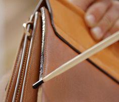 いいね!12.6千件、コメント47件 ― Chloéさん(@chloe)のInstagramアカウント: 「The final finesse – In addition to the sumptuous mix of velvety suede and supple leather, hand-…」