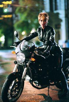 Halle Berry, famosa em moto, gostosa em moto, Mulher semi nua em moto, Famous on bike, woman motorcycle, babes on bike, woman on bike, sexy on bike, sexy on motorcycle, ragazza in moto, donna calda in moto, femme chaude sur la moto, mujer caliente en motocicleta, chica en moto, heiße Frau auf dem Motorrad