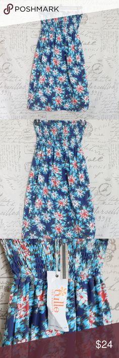 Tulle Blue Strapless Summer Dress Blue White Red L Tulle Blue Strapless Summer Dress Blue White Red Strapless Stretchy top Large but can fit Small/Medium  Photo taken on a small mannequin. NEW Tulle Dresses Strapless