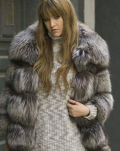 #fur#furs#furcoat#furjacket#furvest#furstyle#furfashion#fashionstyle#winterfashion#fashiononline#luxuryfur#luxurystyle#russia#womaninfur#style#furfun #photooftheday#glamour #furlove #pelz #pelzmode #style #pels #fashion #luxury #moda #mexa #fourrure #pelliccia