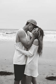 Vámonos los dos solos a la playa sin nadie más. En el mundo