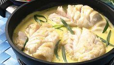 Prøv denne oppskriften på torskegryten med frisk estragon. Estragon gir en god smak til torsken og sausen som lages på matfløte. Alt tilberedes i samme gryte og du kan servere potet, brød eller salat til. #fisk #oppskrift
