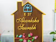 Wooden Name Plates, Door Name Plates, Name Plates For Home, Summer Arts And Crafts, Name Plate Design, Wooden Hut, Shape Names, Flower Pot Crafts, Diy Crafts For Home Decor