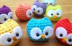 crochet thread owl   Bilden är från Ravelry och tillhör därmed Josephine Wu.