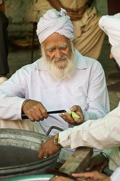 Cooking for the masses  Guru Ka Langar