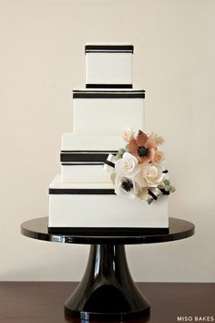 Black & White Wedding Design | by Miso Bakes... Personalized Cake serving sets... | http://thevineyard.carlsoncraft.com