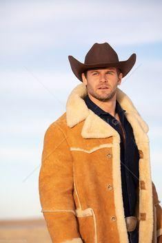 Sheepskin Throw, Sheepskin Coat, Hot Cowboys, Mens Fur, Shearling Jacket, Parka, Cowboy Hats, How To Look Better, Fur Coats