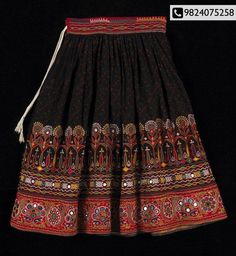 traditional_kutch_skirt I have one of these skirts from India. I was lucky enough to find in the Goodwill and it was just like the one I bought back in the from Delhi. Indian Skirt, Indian Dresses, Indian Outfits, Garba Dress, Navratri Dress, Ethnic Fashion, Indian Fashion, Afghan Dresses, Afghan Clothes