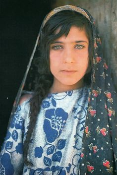 Memory of Afghanistan, Roland and Sabrina Michaud.  Oak / Hachette, 1980.