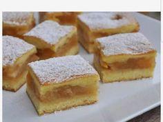 "Prajitura ""turnata"" cu Mere No Cook Desserts, Sweets Recipes, Cake Recipes, Romanian Desserts, Romanian Food, Fun Cooking, Cooking Recipes, Yummy Food, Good Food"