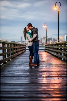 » West Seattle Engagement Session | Seattle Wedding Photographers »