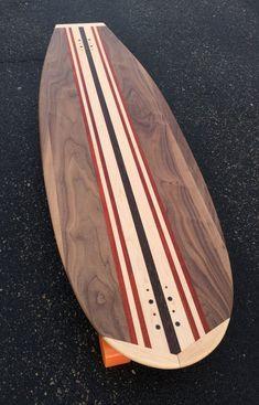 Longboard Decks, Longboard Design, Wooden Boat Plans, Wooden Boats, Surfboard Storage, Wooden Surfboard, Surfboard Art, Wooden Paddle Boards, Standup Paddle Board