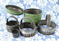 1930s Boxed Set Pastry Cutters Green Enamelware Tin Tala England Cookie Cutters