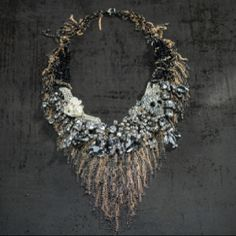So-b designed by Børre Olsen. I just love this necklace! Olsen, Christmas Wreaths, Crochet Necklace, Holiday Decor, Accessories, Jewelry, Design, Fashion, Moda