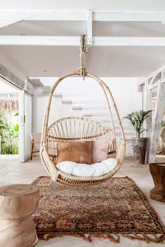 Bali Interiors- rattan We collaborate with Australian homewares brand Yak & Yeti Trader to create their first campaign. Shot in Bali on a dream location we have created a bohemian haven. Diy Interior, Interior Decorating, Interior Design, Dream House Interior, Studio Interior, Decorating Games, Decorating Websites, Apartment Interior, Apartment Living