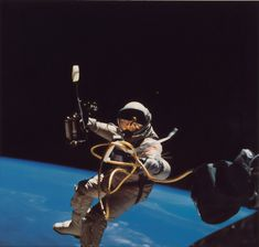 Referring to the missions of space exploration, NASA is undoubtedly the first name to appear in our heads. NASA (US Aeronautics and Space Agency) This is… Nasa Photos, Nasa Images, Moon Photos, Apollo 11, Nasa Missions, Nasa Astronauts, Hubble Space Telescope, Nasa Space, Space Images
