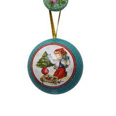 Set of 3 hide a surprise inside Christmas balls!