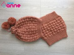 Viking Tattoo Design, Viking Tattoos, Knitting Socks, Knitted Hats, Crochet Hats, Baby Knitting Patterns, Knitting Designs, Crochet Videos, Baby Socks