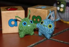 Free Knitting Pattern - Amigurumi: Mini Alien