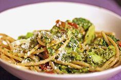 Sundried Tomato & Massaged Kale Chip Pasta