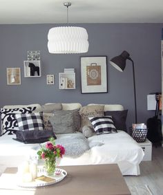 Wohnzimmer livingroom wandgestaltung ikea cube regal Standleuchte Metall  Ikea hector Darlana Pferd thinkliving.de - Einrichtungsberatung Cornelia F. Mall