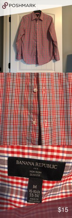 Men's Banana Republic Button Down Excellent used condition men's non-iron slim fit button down. Measurements are in photos. Pattern includes colors that are orange-red, blue, and navy. 100% cotton. Smoke free home. Banana Republic Tops Button Down Shirts