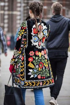Women's Winter Fashion - Unity Fashion Ethnic Fashion, Boho Fashion, Fashion Outfits, Womens Fashion, Hippie Chic, Bohemian Style, Ropa Shabby Chic, Mode Russe, Mode Jeans