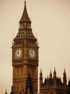 STAREE Nishant Baxi: Ancient photo of a Big Ben